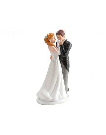 Figura pareja beso en mano