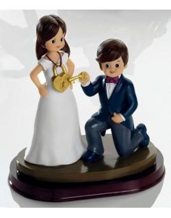 Figura pareja de novio llave y candado corazon